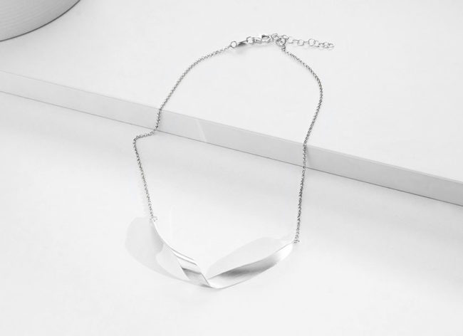 GLORIOUS silver necklace_Charm Silver