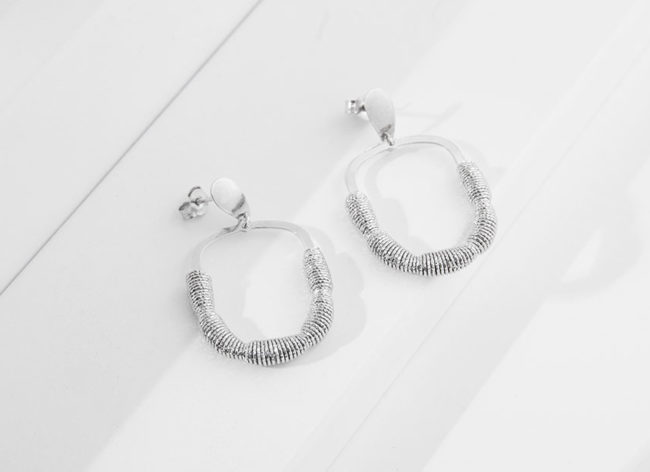 LANTERN silver earrings_Charm Silver