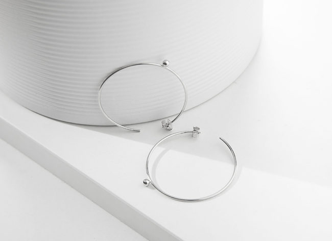 LIGHT SPHERE silver earrings_Charm Silver