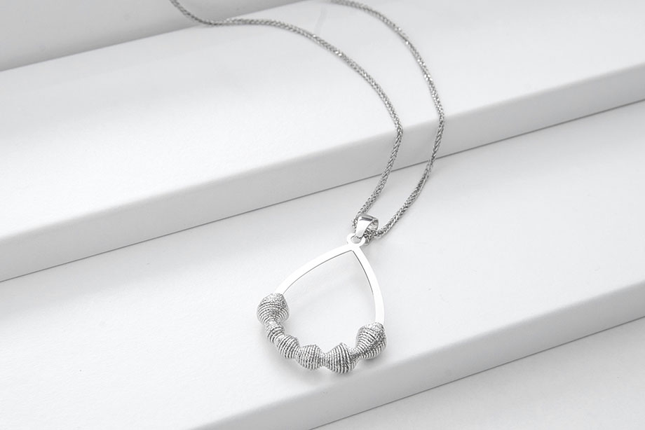 LUME silver necklace_Charm Silver